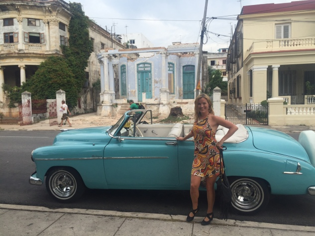 CubaBlueCar